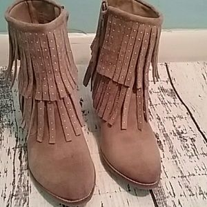 Matisse coconuts like new Fringe booties this is a